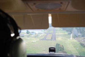 パイロットになる方法その4,国内フライトスクールや航空留学